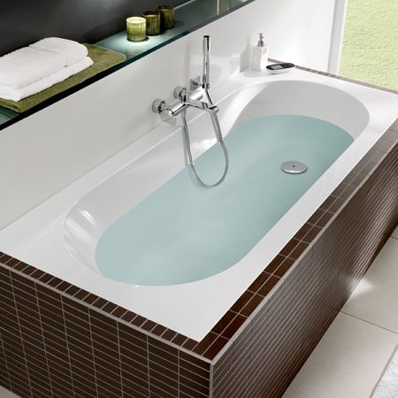 Ванна квариловая 1700х750 мм Oberon с ножками Villeroy&Boch